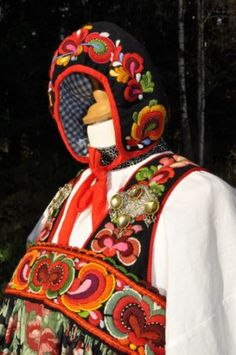 FolkCostume&Embroidery: Bunad and Rosemaling embroidery of upper Hallingdal, Buskerud, Norway