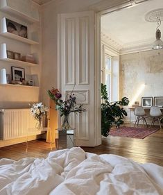 Dream Home Design, Home Interior Design, Dream Apartment, French Apartment, Aesthetic Bedroom, Cozy Aesthetic, Dream Rooms, My New Room, House Rooms