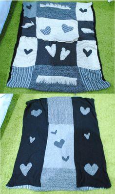 Obojstranná deka zo starých svetrov a sukní