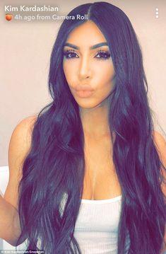 Kim Kardashian says she misses her 'baby pink' hair Kim Kardashian Sexy, Estilo Kardashian, Kardashian Jenner, Kim Kardashian Snapchat, Kardashian Family, Baby Pink Hair, Kim And Kourtney, Hair Laid, Hair Dos