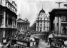 The Mansion House y el Banco de Inglaterra en el corazón de la City en 1905