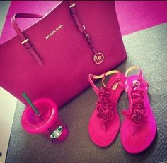 Michael Kors - colecciones - primavera - verano bolso - cartera - bandolera - bag - handbag http://yourbagyourlife.com/ Love Your Bag.