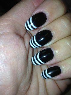 Black and white striped nails with Chroma Gel 1 Step #chromagel #1stepgelpolish #fastestgelpolish #gelpolish #bigcolourrange #tryitloveit