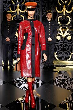 See the complete Louis Vuitton Fall 2011 Ready-to-Wear collection.