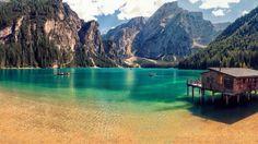 Горное озеро Брайес в итальянских Альпах