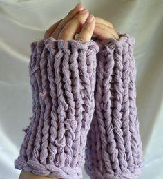Pattern -- Fingerless Gloves Knit With T-Shirt Yarn Crochet T Shirts, Knit Or Crochet, Learn To Crochet, Crotchet, Tee Shirt Crafts, T Shirt Yarn, Knitting Kits, Loom Knitting, Yarn Projects