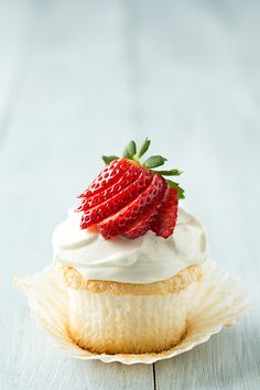 Angel Food Cupcakes - Cooking Classy