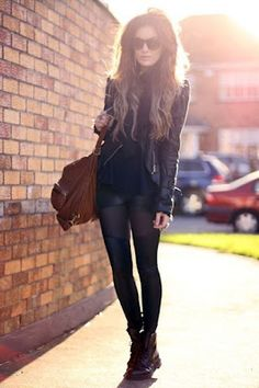 Gorgeous all black outfit! Leather motorcycle jacket. Women's street style spring fashion