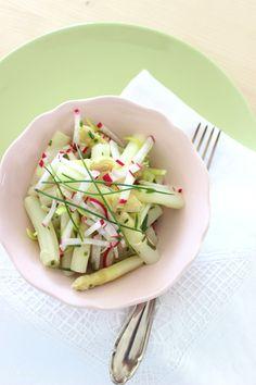 Sunday Lunch... eine kleine, leichte, einfache, frühlingshafte Vorspeise... Spargelsalat vom weißen Südtiroler Spargel...