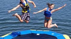 Trampolín Ideales para los niños, muy divertido para jugar y saltar en el agua.