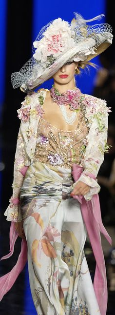 Emanuel Ungaro I love flowers ... on everything and anything ...