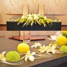 テーブル装花について ※画像お借りしています。 私達は披露宴会場のテーブルが長テーブル。 なので、流れ(動き)が出せる水引を使ってもらう装花にしていただきました。 なのでお花はプランのものに。。 ※写真はイメージです。 仲良くさせていただいているフォロワーさんみたいに色々テーブルに小物をセットしようかと思いましたが、作ってる時間もなかなか取れないということシンプル・イズ・ベスト(笑)という事でそれなりに可愛く『和』を強調してもらえるよう担当さんにお願いしました♡ #テーブル装花 #プレ花嫁 #シンプル #和婚礼 #長テーブル #水引 #ワーキング花嫁 #テーブルコーディネート #20160827 #ちーむ0827 #2016swd #2016夏婚