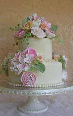 Love the Flowers.  Beautiful for a Birthday, Shower or intimate wedding