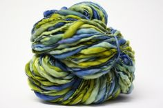 tm Seafoam Green HandSpun Thick and Thin Wool Yarn Chunky Slub Hand Dyed tts