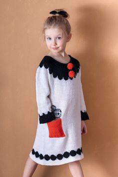 Moomin x Novita patterns inspire and delight knitters Knitting Club, Hand Knitting Yarn, Vogue Knitting, Hand Knitted Sweaters, Knitting For Kids, Knitting Patterns, Wool Dress, Knit Dress, Knit Stockings