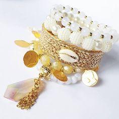 Mix em cores neutras, mas cheio de estilo! R$ 49,90 #acessorios #feitoamao #fashion #fashionista #it #itgirl #fashionstyle #style #trends #cool #loucasporacessorios #pulseirismo #modasp #modaminas #itaimbibi #brinco #maxibrinco #choker #boho #bohostyle #bohochic #pulseiras #pulseirismo #mixdepulseiras #maxicolar #girlpower #irispinheiro #irispinheirobijoux #fashiondesignersbr