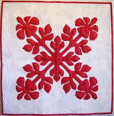 Hawaiian quilt, hibiscus, by Carrie A. Fondi. Workshop at Road to California