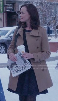 Rory's camel coat on Gilmore Girls: A Year in the Life.  Outfit Details: https://wornontv.net/62597/ #GilmoreGirls