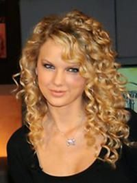 How to get Taylor Swift curls Wavy Curls, Wavy Hair, Her Hair, Tight Curls, Long Curls, Natural Curls, Permed Hairstyles, Celebrity Hairstyles, Taylor Swift Curls