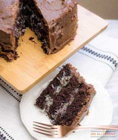 Dark Chocolate Cake with coconut filling and chocolate frosting #Chocolate #Coconut #MoundsCake