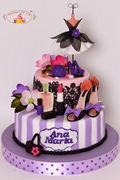 85e3c7ddb146e6e9e44bb98ba3a9a535--fashion-cakes-novelty-cakes.jpg (520×780)