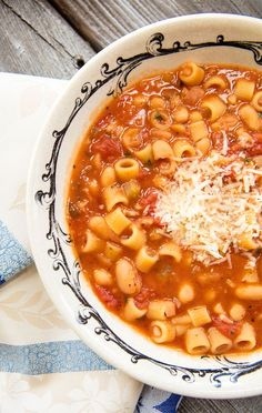 Pasta e Fagioli – Italian Food ForeverYou can find Pasta fagioli and more on our website.Pasta e Fagioli – Italian Food Forever Pasta E Fagioli, Pasta Fagoli Soup, Pasta Fagioli Crockpot, Pasta Fagioli Recipe Vegetarian, Pasta Fagioli Soup Recipe, Vegan Pasta, Crockpot Meals, Pasta Recipes, Cooking Recipes