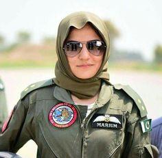 Sanam Baloch biography is full of amazing stuff. Pakistan Defence, Pakistan Armed Forces, Crush Stories, Mirrored Sunglasses, Mens Sunglasses, Luxury Logo, Pakistani Bridal Wear, Female Soldier, Military Women