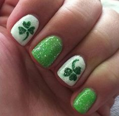 This is a simpler versions of those four-leaf clovers design. But it still has the glitter and shimmer so it would still be sassy.