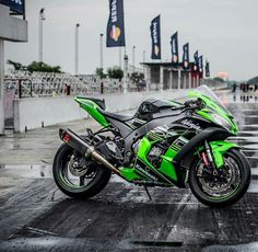 Man that 2016 Ninja ZX10R KRT is a thing of beauty