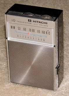 Vintage Hitachi 10-Transistor AM Radio, Model TH-1015, Made In Japan.