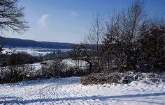 Bevor alles weggetaut ist, ...  ... schnell noch ein Foto mit viel weiß. :-) Aber jetzt ist`s auch genug mit dem Schnee. Bei uns daheim sieht es auch in grüüüüüüün sehr schön aus. :-)