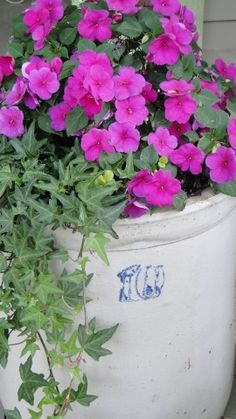 Old crock of impatiens...I used to have one of those crocks!