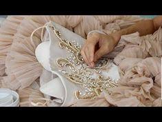 Авторский курс Виктории Бойко , Люневильская вышивка - YouTube