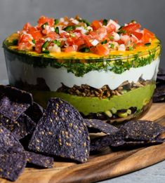 You'll score a touchdown with this Seven Layer Turkey Dip with Chimichurri this Super Bowl weekend! Chimichurri, Mexican Food Recipes, Vegetarian Recipes, Cooking Recipes, Healthy Recipes, Seven Layer Dip, Le Diner, Appetizer Recipes, Appetizers