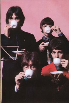 George Harrison, Richard Starkey, John Lennon, and Paul McCartney Ringo Starr, George Harrison, Liverpool, Music Rock, My Music, Les Beatles, Beatles Poster, Beatles Guitar, Classic Rock