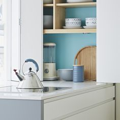 Sleek & simple, this chic kitchen will create a free, effortless look in any home - Pure kitchen from John Lewis of Hungerford. https://www.john-lewis.co.uk/kitchens/pure#.VpZzc9Yp-VQ