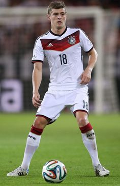 Real Madrid complete Toni Kroos deal  The Germany international will continue his career in La Liga after signing a six-year contract with the Santiago Bernabeu side  www.rwin888.com