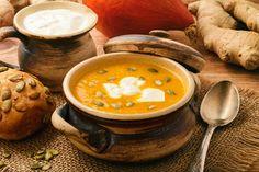 Saisonal, exotisch, gesund und schnell gekocht - Ingwer-Kürbis-Cremesuppe mit Kokosmilch http://www.diaeten-mit-gesunder-ernaehrung.de/gesunde-rezepte/suppen-eintoepfe-teil-3/ingwer-kuerbis-cremesuppe/