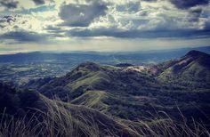 Mt. Batulao circuit. (Batangeños called it as ilaw sa dalawang bato or bato sa ilaw and now it is simply called Mt. Batulao - The Illuminated Rocks.) #ijohnventures #gorillavagabond #gorillatraveler #travelphotography #travelphotographer #travelph #travelphilippines #vagabond #traveler #travelphoto  #alpascore #alpasmountaineering