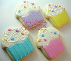 Cupcake shaped Cookies... So creative!