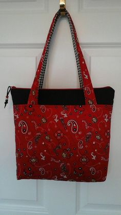 Quilted Ohio State zipper top tote by BuckeyeStitches on Etsy