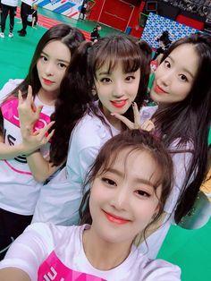 Minnie, Yuqi, Shuhua and Elkie South Korean Girls, Korean Girl Groups, Hobgoblin, Set Me Free, Famous Girls, Pretty Asian, Cube Entertainment, Clc, Soyeon
