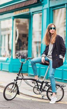 Cycle Chic | Cycle Style | Bicycle pannier bag | bike bag | cycling bag | accessories | Brompton | folding bike