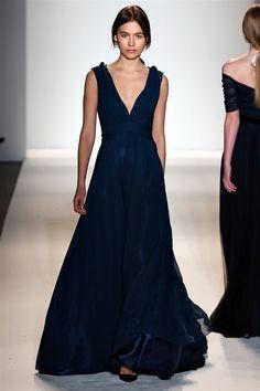 Derin V Yaka Elbise Modelleri