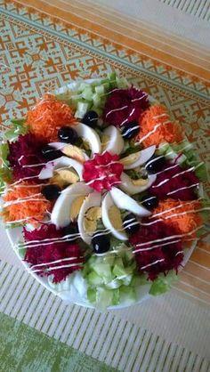 Couscous Salad Recipes, Healthy Salad Recipes, Easy Dinner Recipes, Appetizer Recipes, Appetizers, Party Food Platters, Edible Food, Food Decoration, Diy Food