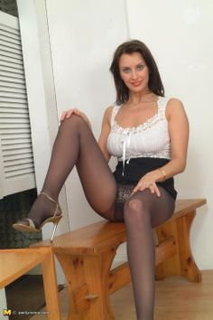 Art Of Pantyhose Dirty Angie 87