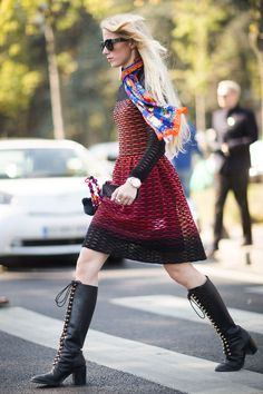 TheTrendSpotter picks the best street style looks from Paris Fashion Week Spring 2016.