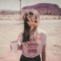 Image about girl in -vintage and retro- by P O L Æ R - retro. - Imagen de girl, vintage, and aesthetic You are in the right place about dessert table ideas Here we - Hippie Vintage, Mode Vintage, Retro Vintage, Vintage Woman, Vintage Hipster, Vintage Vibes, 80s Aesthetic, Aesthetic Vintage, Simple Aesthetic