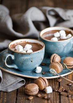 hot coco + mini macarons