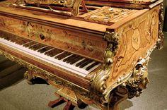 .Piano Antiguo